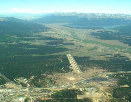 Airport of Leadville  (KLXV) view to the South